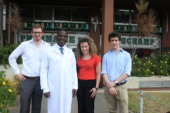 Le Docteur Pitté de la Pharmacie de Longchamp au Plateau à Abidjan, partenaire d'Afrimarket