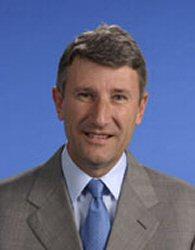 Philippe de Villiers, partisan d'une loi interdisant le port du voile à l'école
