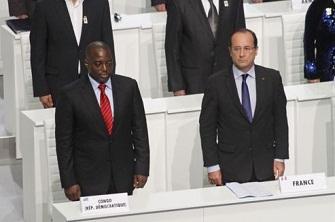Joseph Kabila et François Hollande au sommet de la francophonie à Kinshasa