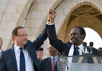 François Hollande avec le président malien Dioncounda Traoré