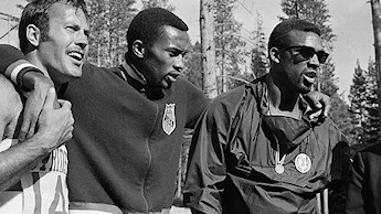 13 septembre 1968. De G � D : Larry Questad, Tommie Smith et John Carlos