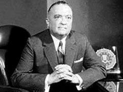 Hoover fut président du FBI de 1924 jusqu'à sa mort en 1972