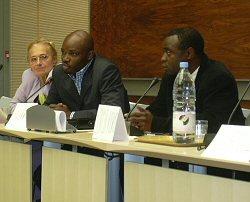 Charles Onana durant la conférence de presse de présentation de son livre