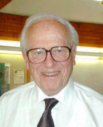Le professeur Lucas Cavalli Sforza spécialiste de la génétique des populations