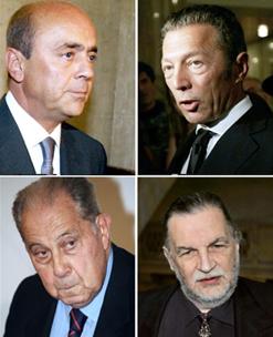 Dans le sens des aiguilles d'une montre : Pierre Falcone, Arcady Gaydamak, Jean-Christophe Mitterrand et Charles Pasqua