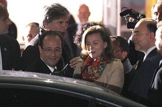 François Hollande et sa compagne Valerie Trierweiler après le débat du 2 mai face à Nicolas Sarkozy