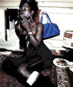 Prostituée (et droguée) africaine en Suisse