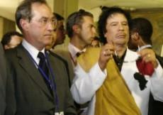 Mouammar Kadhafi et Claude Gueant en Libye l'été dernier