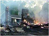 Un des immeubles brûlés