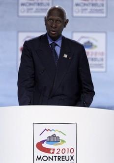 Abdou Diouf le 23 octobre lors du sommet de la francophonie à Montreux