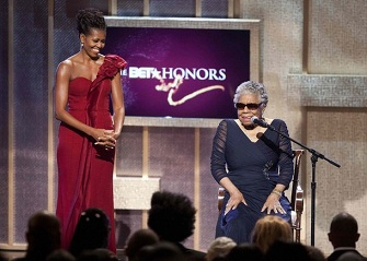 Michelle Obama et Maya Angelou lors des BET Honors