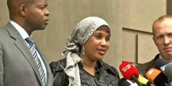 Nafissatou Diallo remerciant ses soutiens ce lundi (10 décembre) à New York