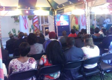 Ambiance à l'ambassade Américaine pour l'investiture du président Américain