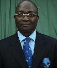 Le premier ministre gabonais Paul Biyoghe Mba