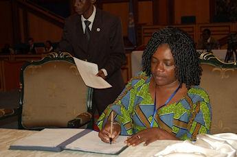 Angelique Ngoma est la nouvelle ministre de la défense au Gabon