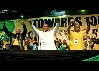 Jacob Zuma, Kgalema Mothlanthe (vice président d'Afrique du Sud) et Matthews Phosa, trésorier de l'ANC le 20 sept 2010 au congrès de Durban