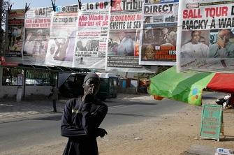Les unes de plusieurs quotidiens sénégalais ce lundi à Dakar