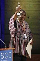Le scientifique sud-africain Felix Dapare Dakora récompensé
