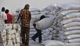 Faut-il repenser l'aide au développement ?