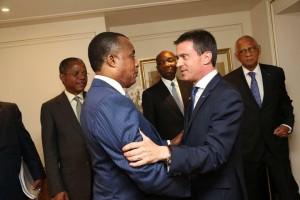 Denis Sassou Nguesso avec le 1er ministre français Manuel Valls