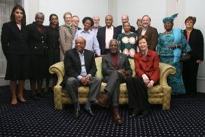 L'équipe de la fondation et les membres du jury qui décerneront le prix individuel de bonne gouvernance