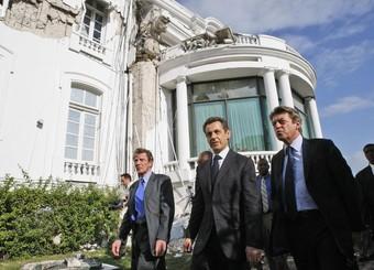 Nicolas Sarkozy accompagn� de l'ex secr�taire d'Etat � la coop�ration Alain Joyandet