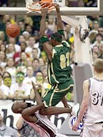 James Lebron a signé un contrat de 100 millions de dollars avec Nike. Est-il le prochain Michael Jordan?