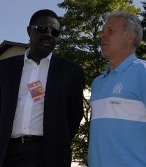 Le président marseillais Pape Diouf (à gauche)