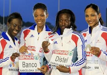 Le relais 4*100 féminin de G à D : Myriam Soumaré, Lina Jacques-Sébastien, Véronique Mang et Christine Arron