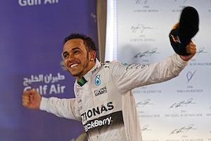 Lewis Hamilton joyeux après sa victoire