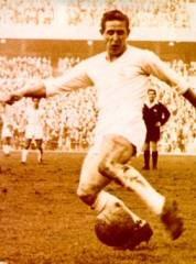 Petit-fils et fils de polonais, Raymond Kopa fut une star du Réal de Madrid dans les années 50