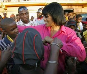 Portia Simpson Miller en campagne électorale en septembre 2007