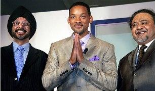 Will Smith en Inde en février 2006 en compagnie de N.P Singh et Kunal Dasgupta de Sony