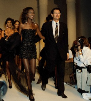 Katoucha avec Jean-Louis Scherrer en 1992 (corbis)