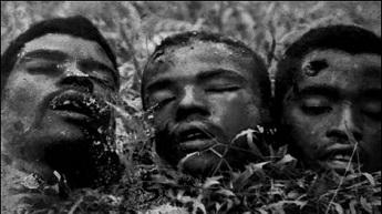 Têtes coupées de combattants nationalistes exposées en public (Association des vétérans du Cameroun, Asvecam).