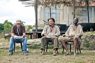 Fabrice Eboué et Thomas Ngijol lors du tournage de ''Case Départ''