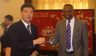 Toast à Guangzhou avec Wang Yang, l'homme qui a transformé la province du Guandong ( 840,5 milliards de dollars de PIB en 2011)