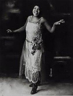 La chanteuse Bessie Smith (1894-1937), surnommée l'Impératrice du Blues.
