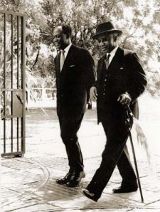 Kwame Nkrumah (à gauche) à Londres