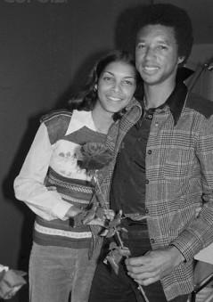 Arthur Ashe et Jeanne Moutoussamy, photographiés le 16 février 1977, quelques jours avant leur mariage