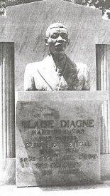 Le buste de Blaise Diagne sur sa tombe à Dakar