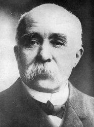 Diagne devint membre du gouvernement de Clemenceau lorsque celui-ci le sollicita pour le recrutement de troupes africaines