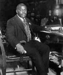 Marcus Garvey en 1922 présidant une convention de l'UNIA à Liberty Hall (New-York) / Marcus Garvey & UNIA papers project UCLA
