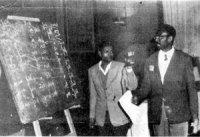 Cheikh anta diop, lors du congres du Caire, en 1974