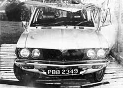 La voiture de Walter Rodney après l'explosion