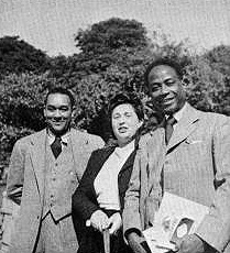 George Padmore (au premier plan) en compagnie de Richard Wright qui fut un de ses proches