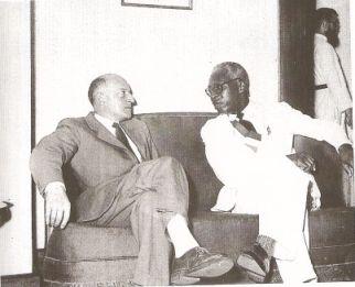Roland Pré et le député du Nord Cameroun à l'assemblée française Jules Ninine