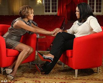 Whitney Houston lors d'une interview avec Oprah Winfrey