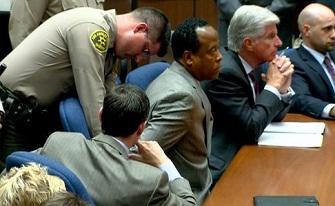 Conrad Murray menotté dès la fin du procès
