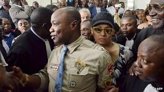 La salle d'audience était remplie lors du procès de Koffi Olomide à Kinshasa